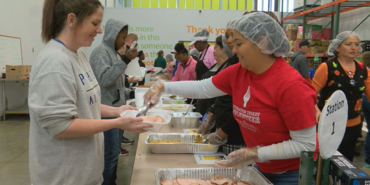 'The Big Gobble' provides nearly 2,000 hot meals in the Chattahoochee Valley this Thanksgiving