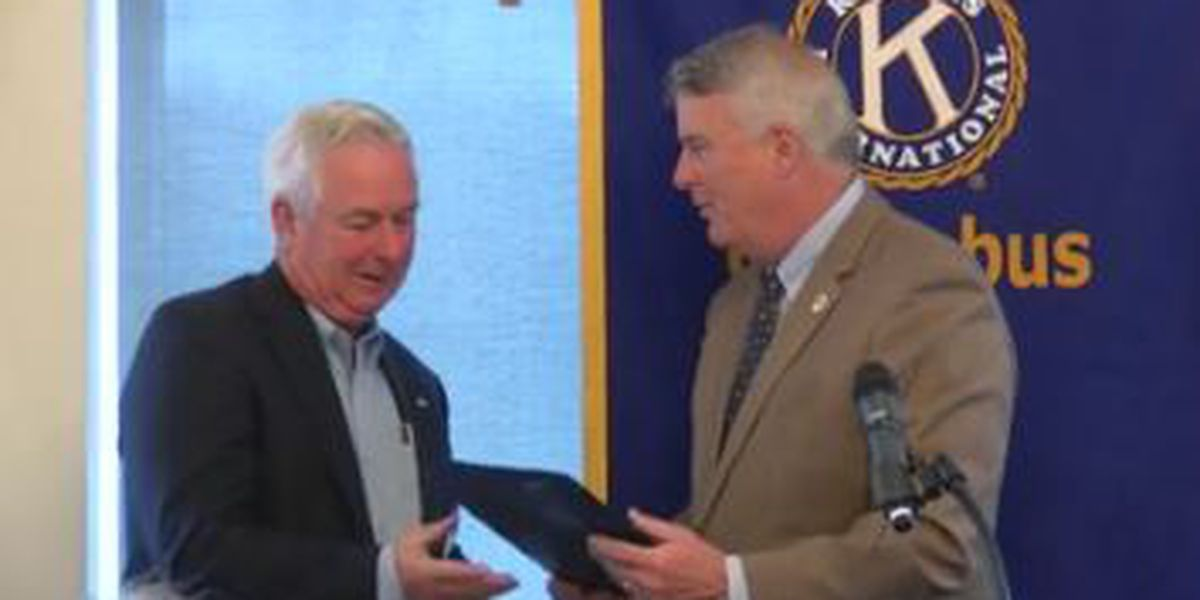 Mayor presents Kiwanis Club of Columbus proclamation for 100 years of service
