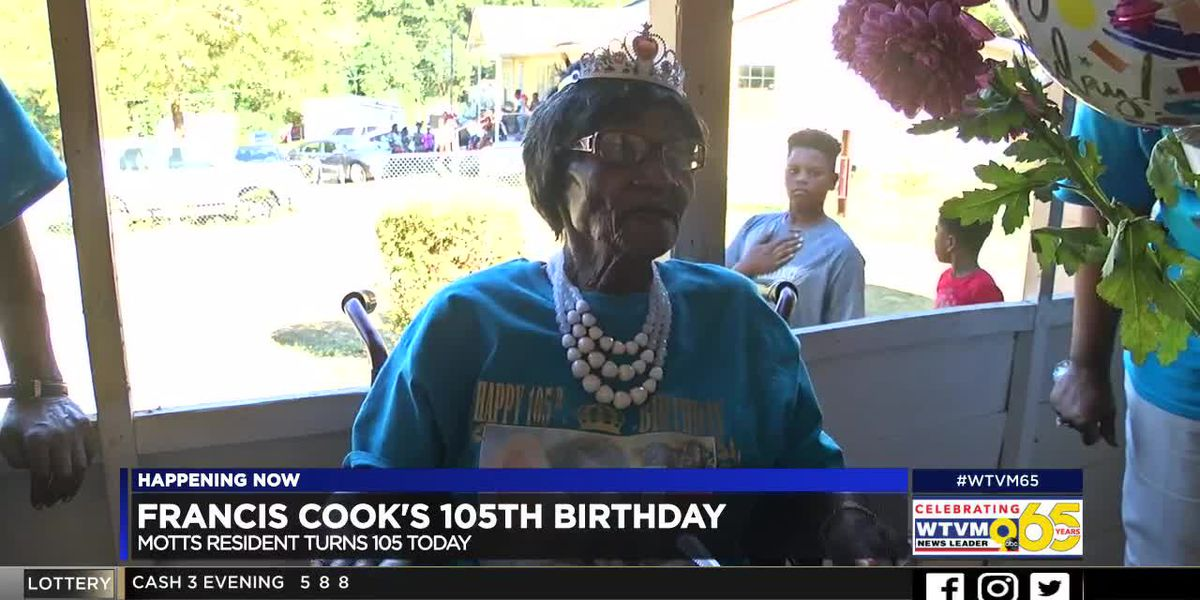 Smiths Station woman celebrates 105th birthday surrounded by family