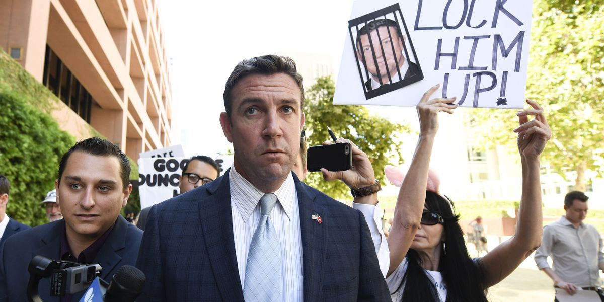 California Rep. Hunter to plead guilty to corruption charge