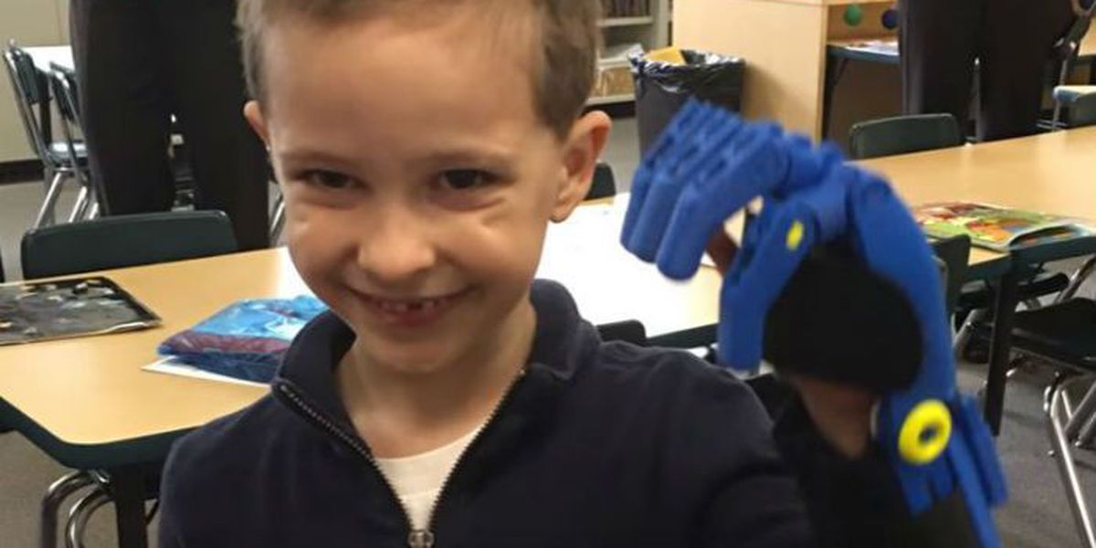 Key Elem. students create 3D-printed hand for Chicago boy