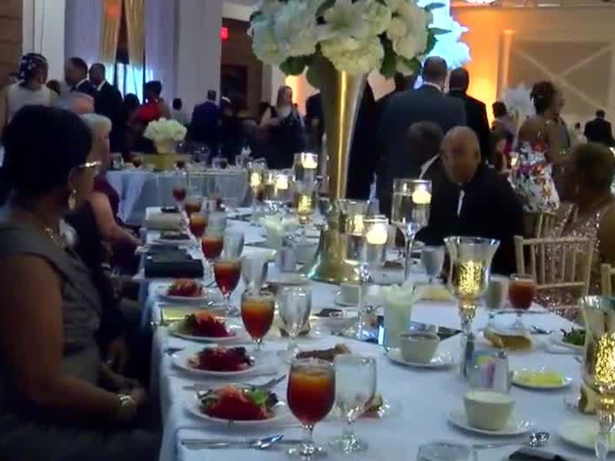 Phenix City Mayor's Ball raises 160K for local students