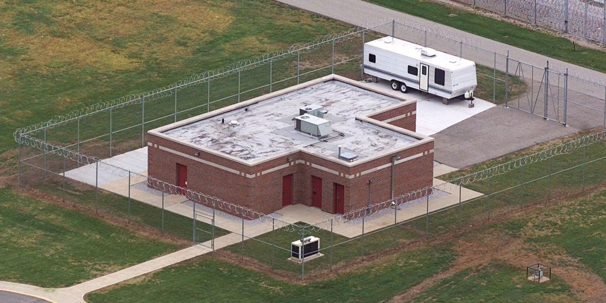 Court rules 1st federal execution in 17 years can proceed