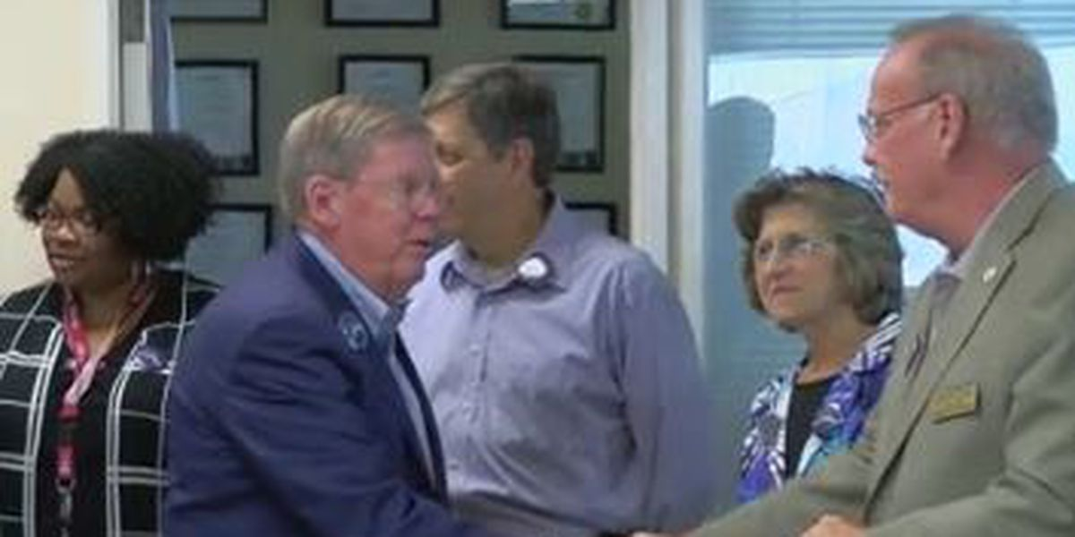 Muscogee Co. Republicans, Democrats react to U.S. Senator Johnny Isakson stepping down