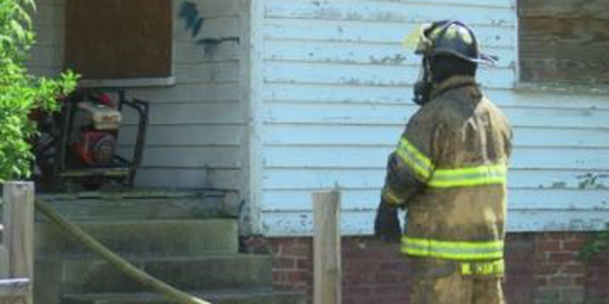 Fire crews responding to vacant house fire on Hamilton Road in Columbus