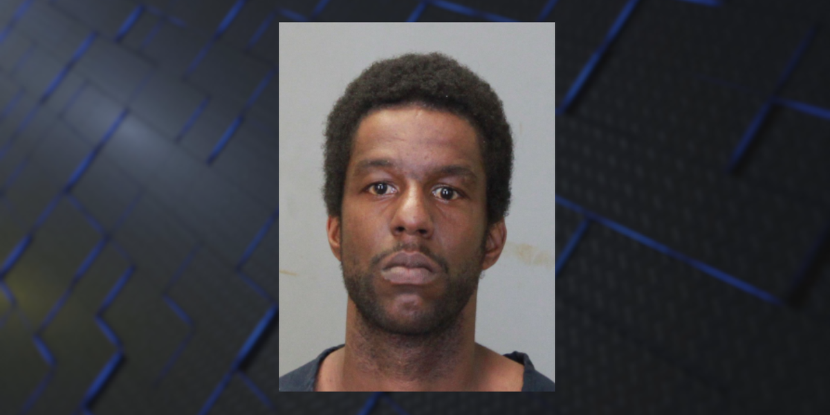 COURT: Man arrested after being caught exposing himself to ex-girlfriend's 9-year-old daughter