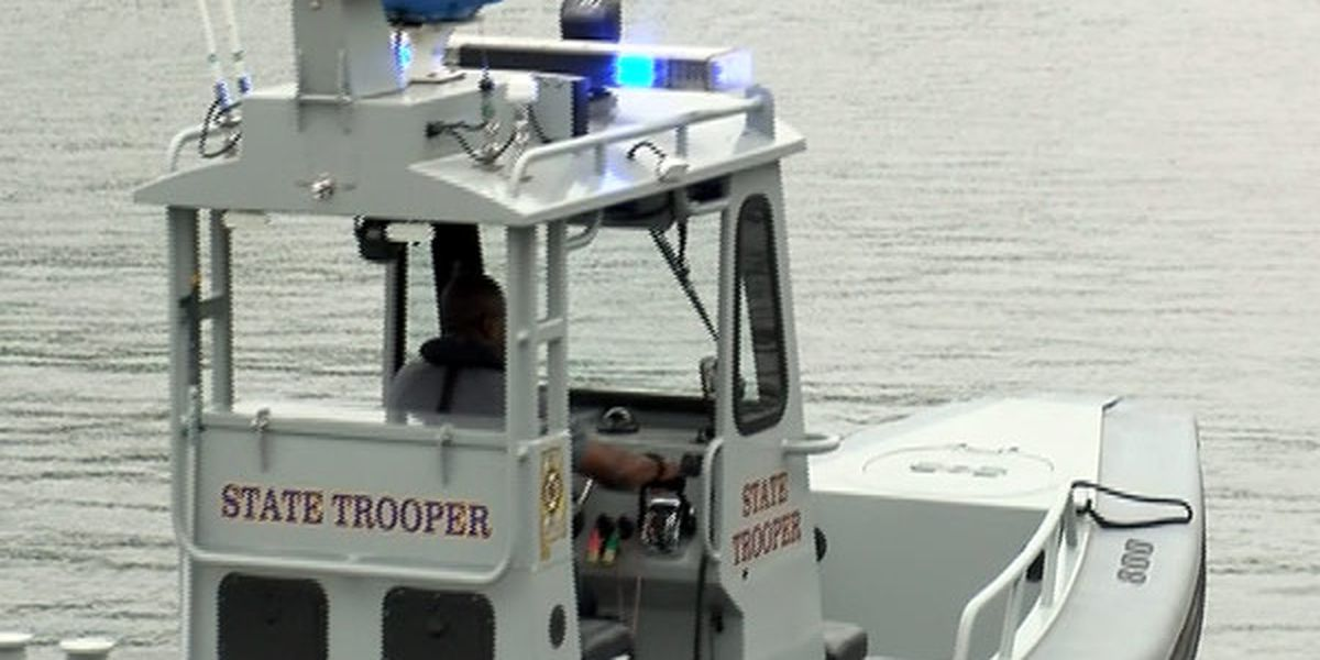 Woman killed in overnight boating crash on Alabama River