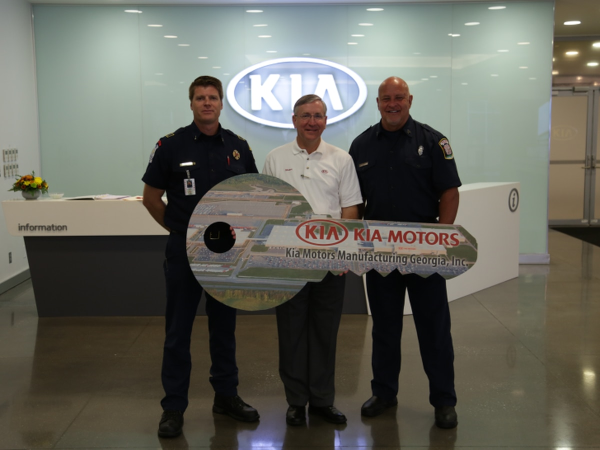 Kia Motors Manufacturing GA donates vehicles to LaGrange Dire Department