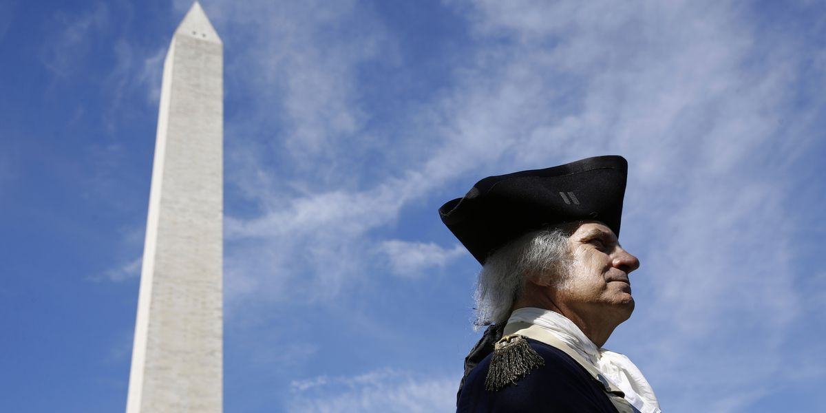 Elevator briefly breaks down at reopened Washington Monument
