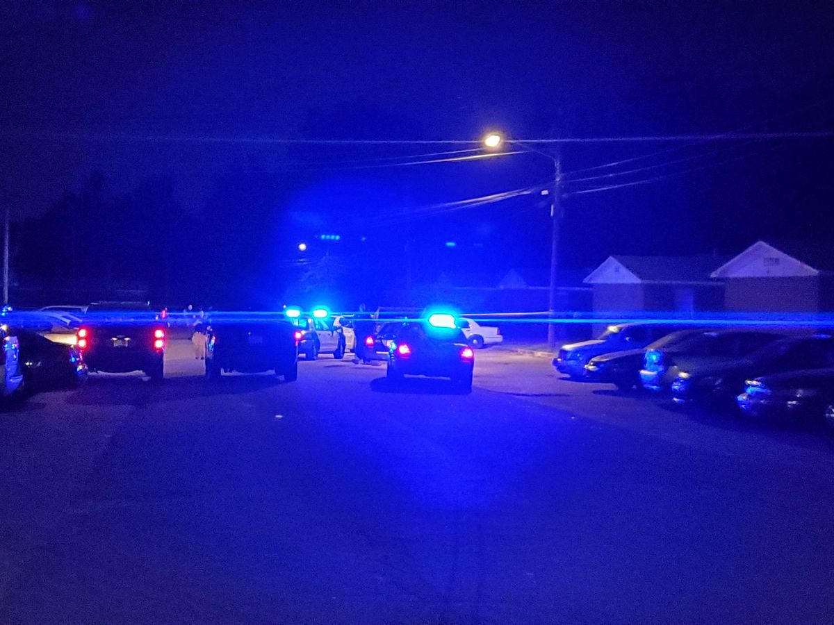 UPDATE: One person injured in shooting on Southside Ct. in Columbus