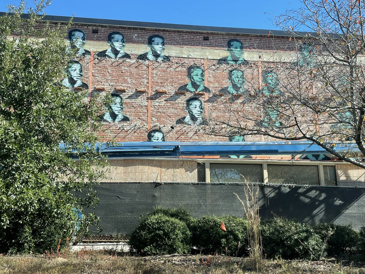 Mural in downtown Columbus captures the eye as building undergoes renovation