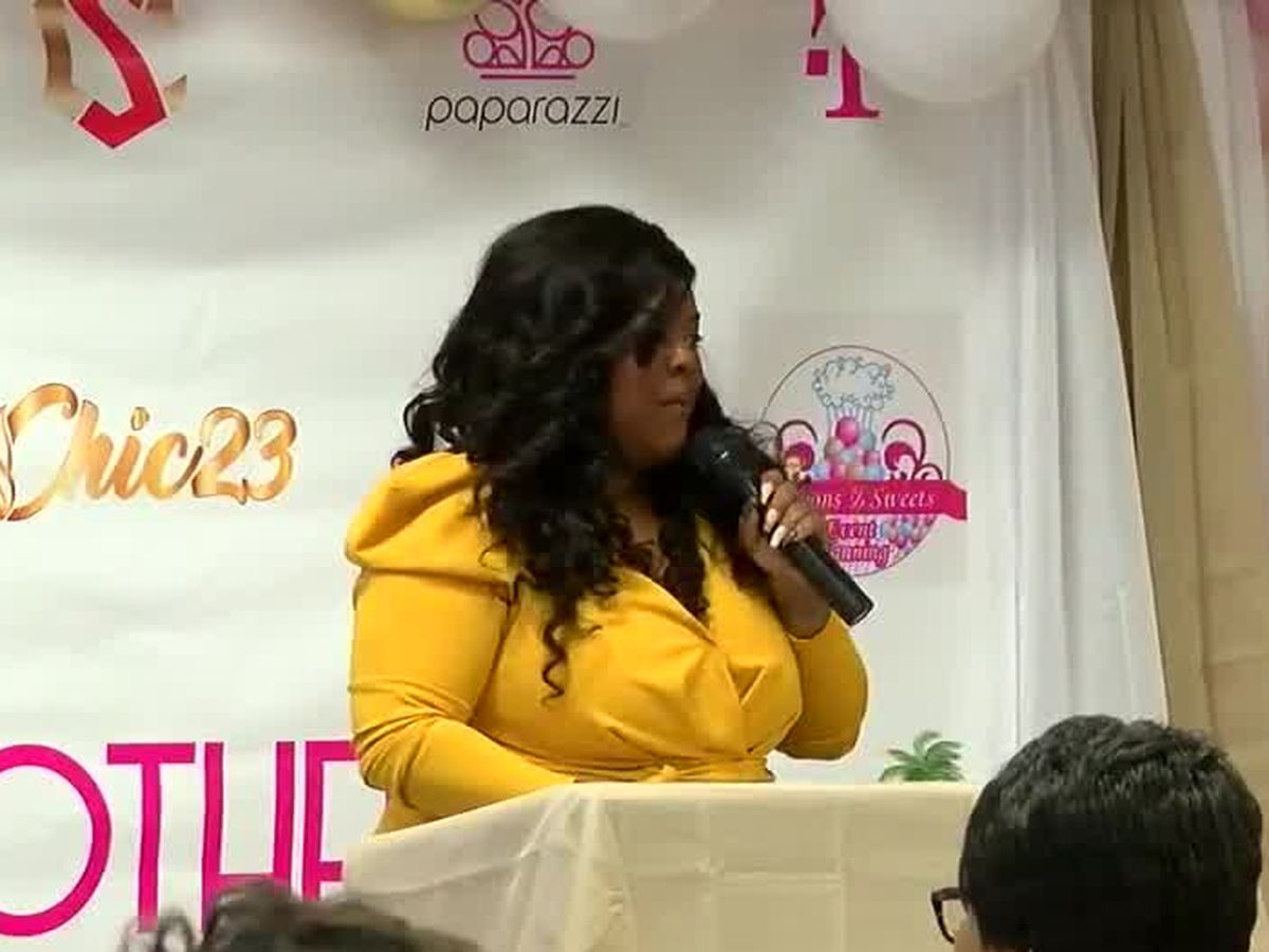 Columbus mothers and daughters gather for luncheon at Liberty Theatre