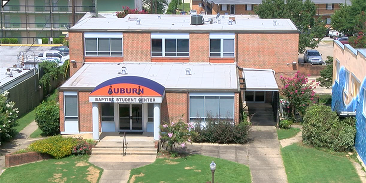 Auburn negotiates to purchase Auburn Baptist Student Center for parking deck
