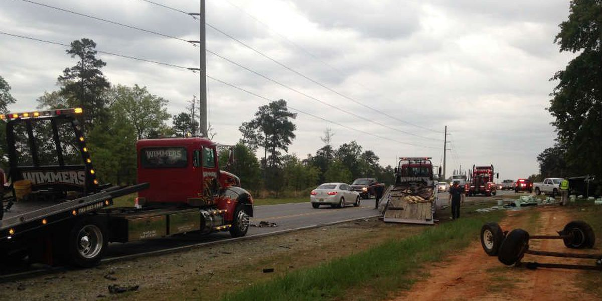 Lanes open again following rollover accident on AL-165