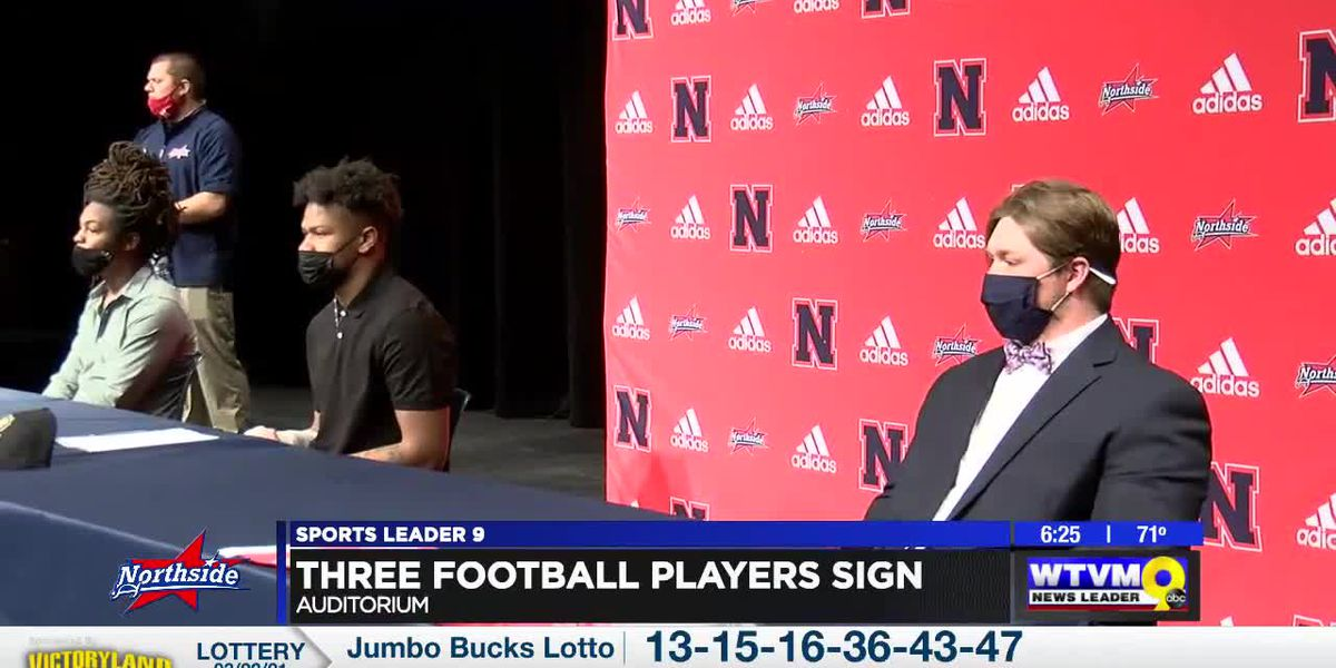 Trio of Patriots sign football scholarships
