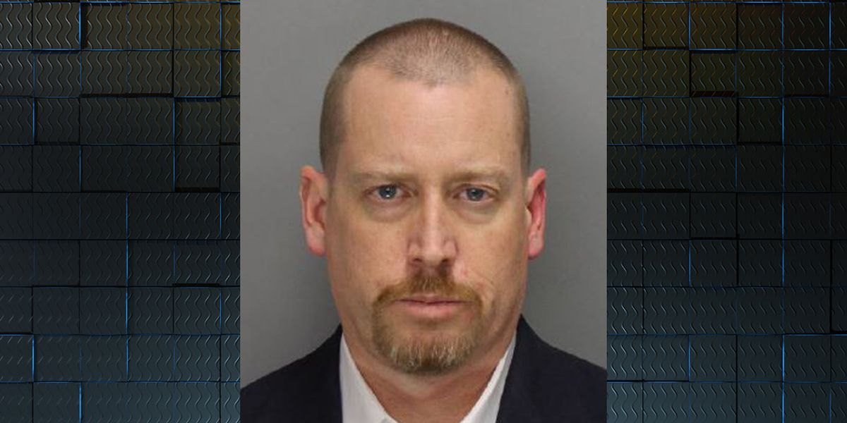 US Marshals still searching for disbarred GA attorney, accused of killing mother
