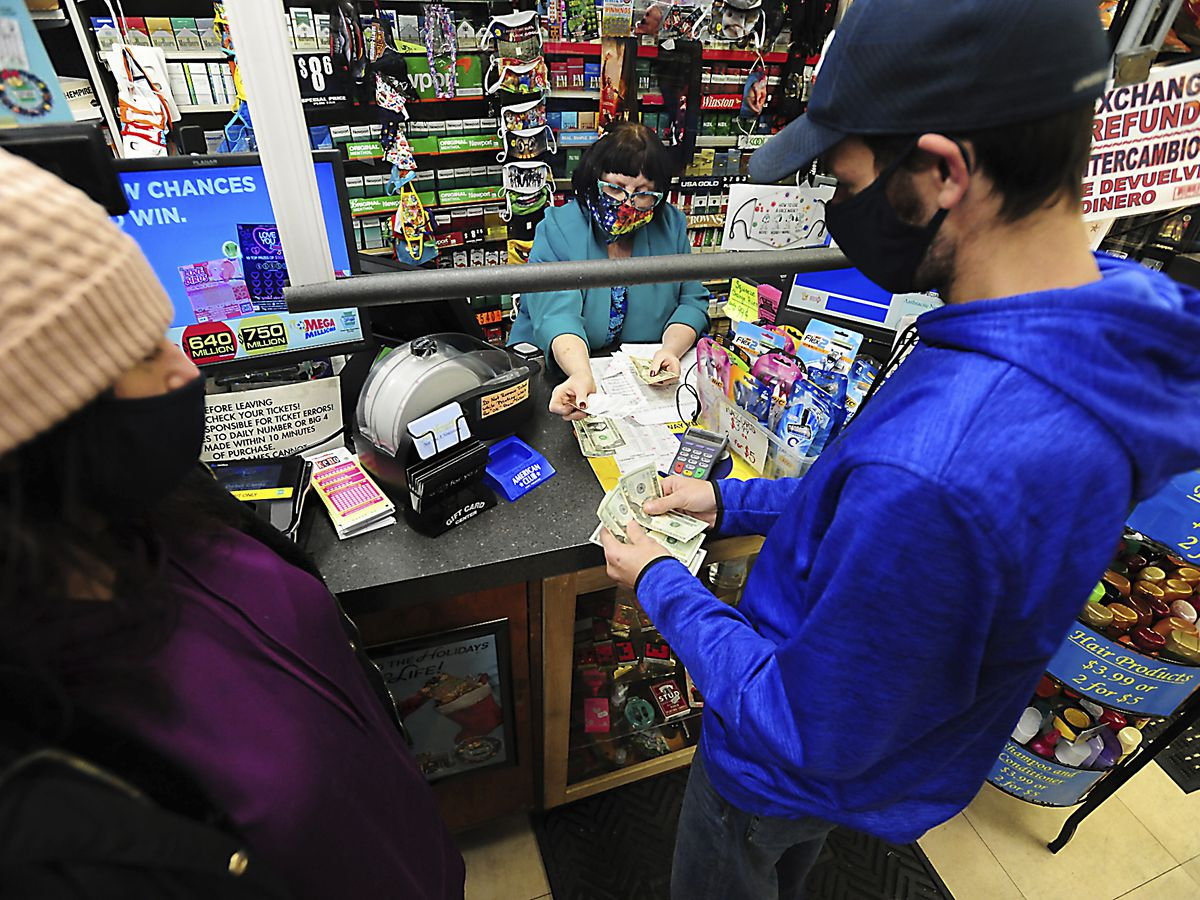 $1 billion Mega Millions prize is 3rd largest in US history