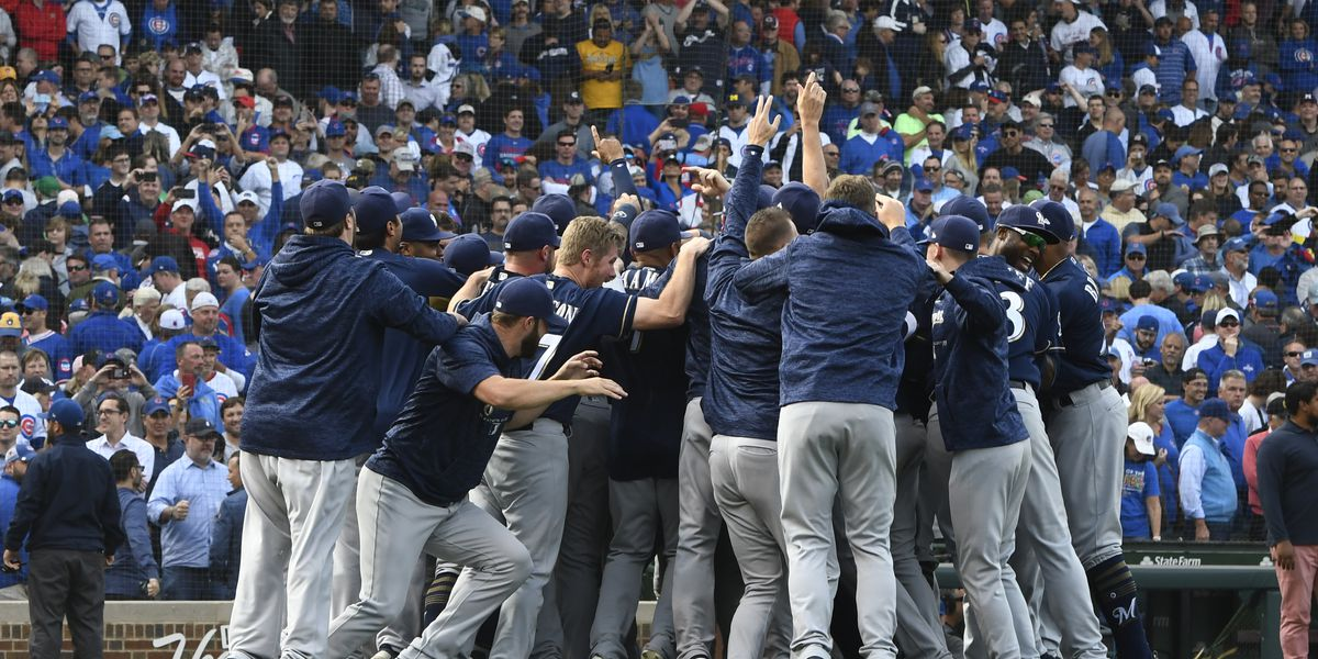 Yelich, Brewers beat Cubs 3-1 for NL Central title