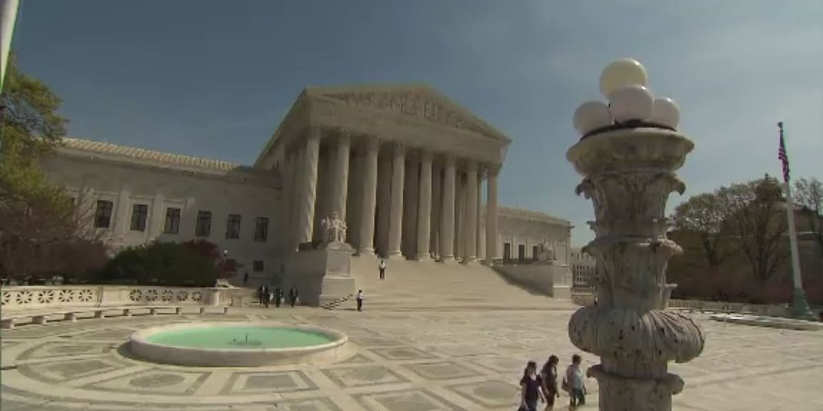 Supreme Court to take up dispute over subpoenas for Trump records