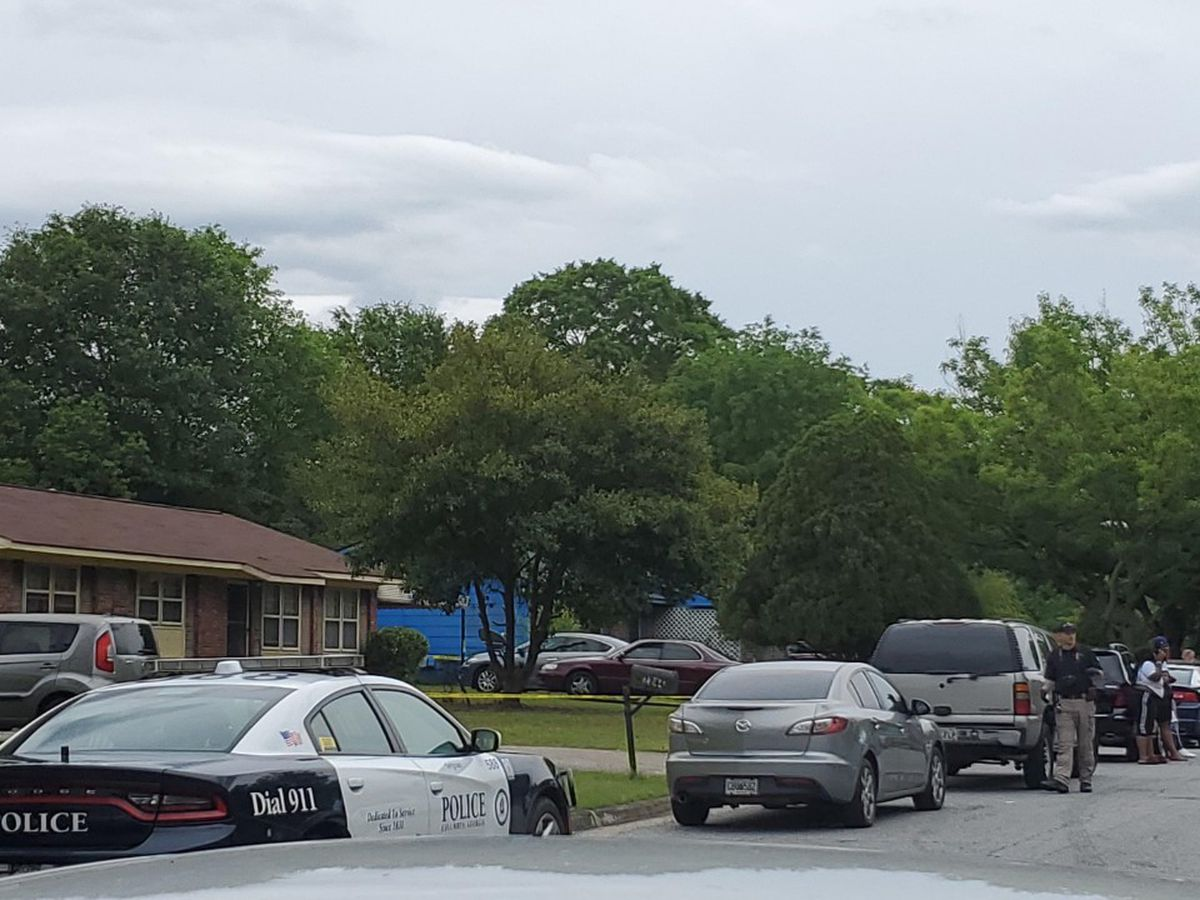 Columbus police investigating fatal stabbing on Mahan Dr.