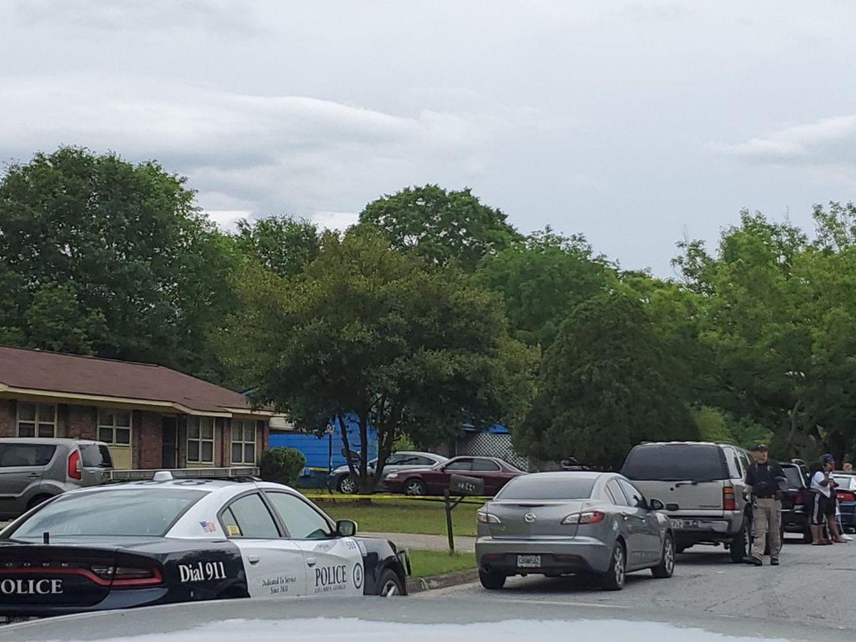 Columbus police investigating fatal stabbing on Mahan Dr.