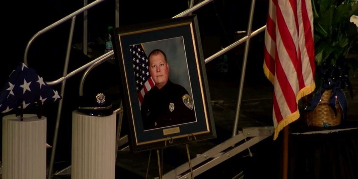 Funeral service for fallen Auburn officer draws hundreds across state lines