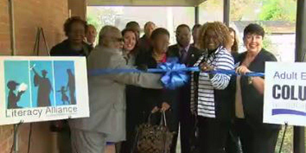 Early College Academy in Columbus gets new adult literacy classroom