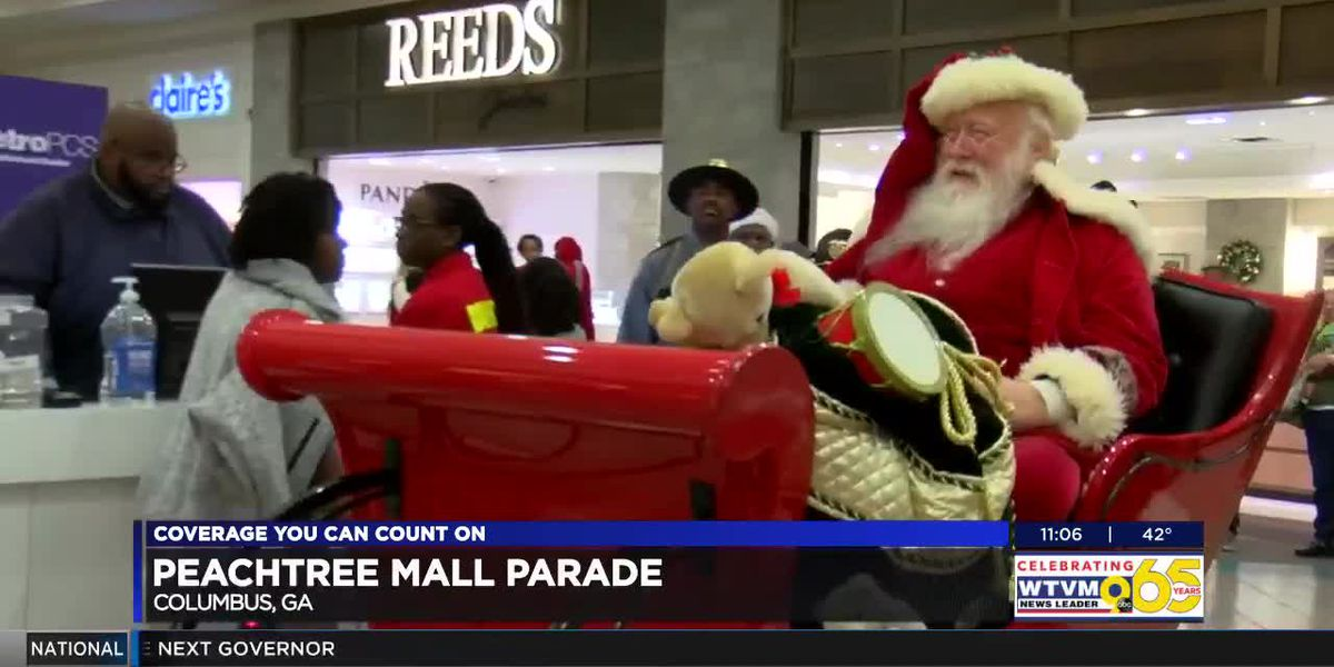 Peachtree Mall hosts Christmas parade to kick off holiday season