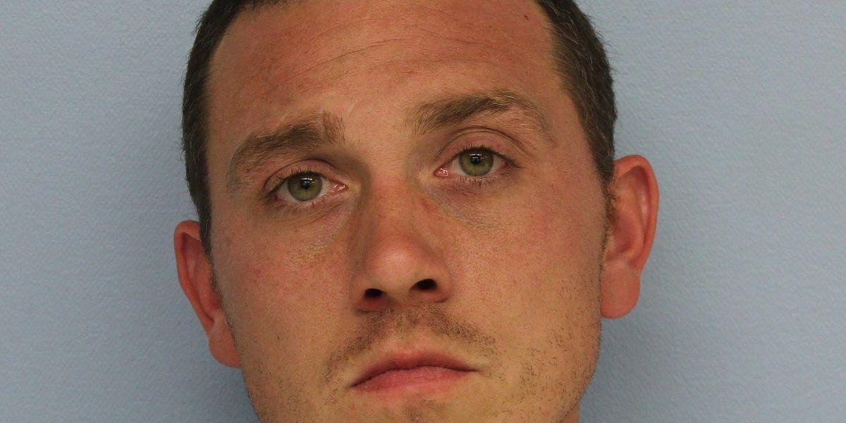 Auburn man arrested on burglary charges