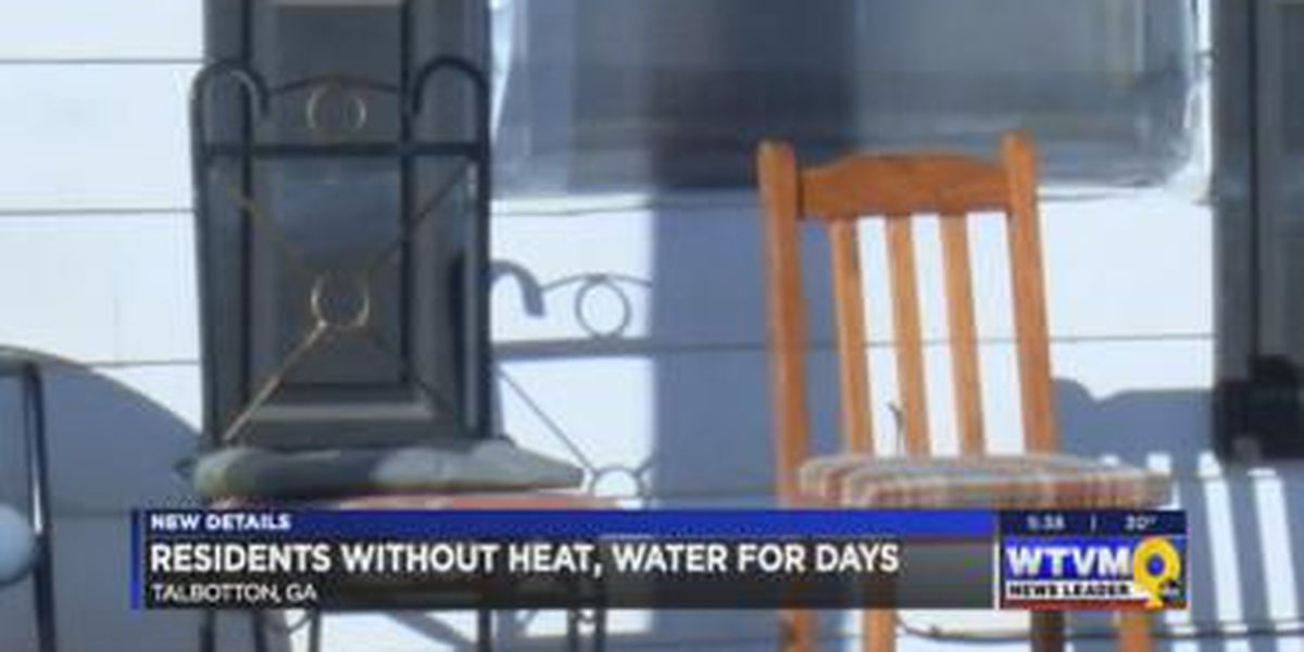 Residents endure the cold without heat in their home, 14 days without running water