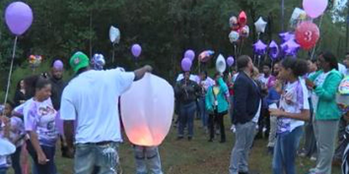 Balloon release, vigil held to remember stabbing victim on Dorsey Dr. in Columbus