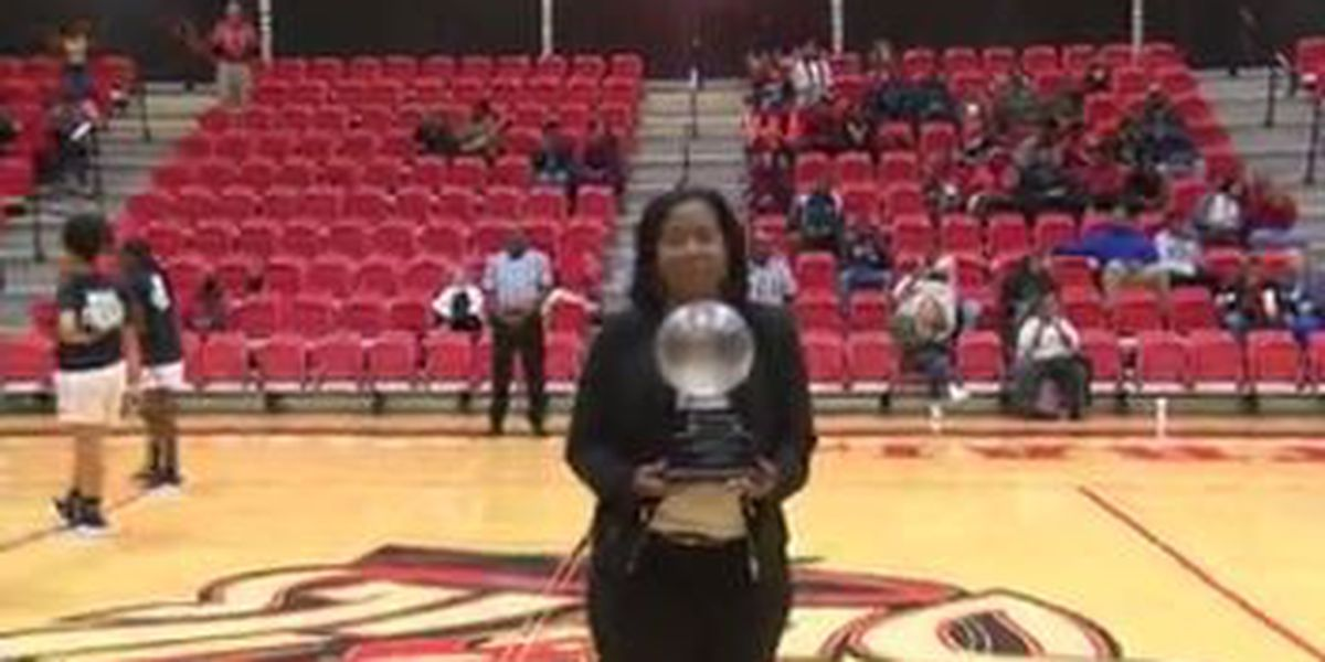 Central High School head girls basketball coach honored for 500 wins