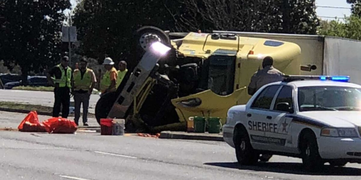 TRAFFIC: 18-wheeler overturned on Victory Dr. in Columbus