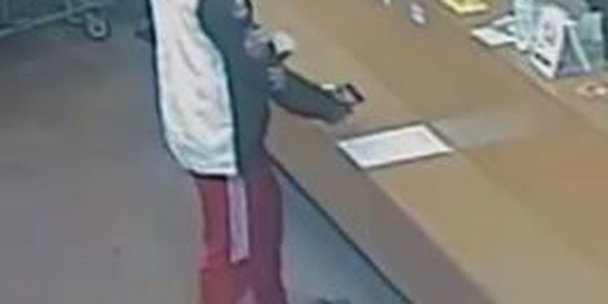 Suspect wanted in Lee County, AL for credit card fraud