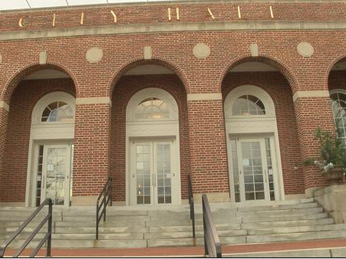 Auburn considering board changes