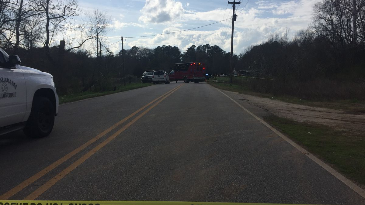 Police investigating after body found near Alfred Lyons Bridge in Lanett