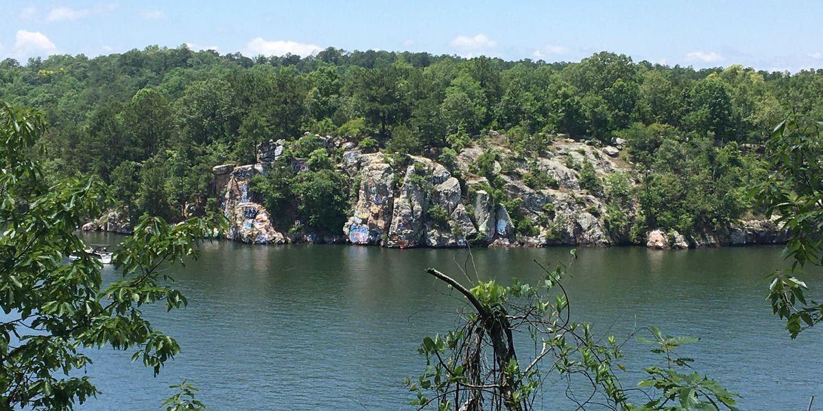 Man injured jumping from 'Chimney Rock' on Lake Martin Saturday