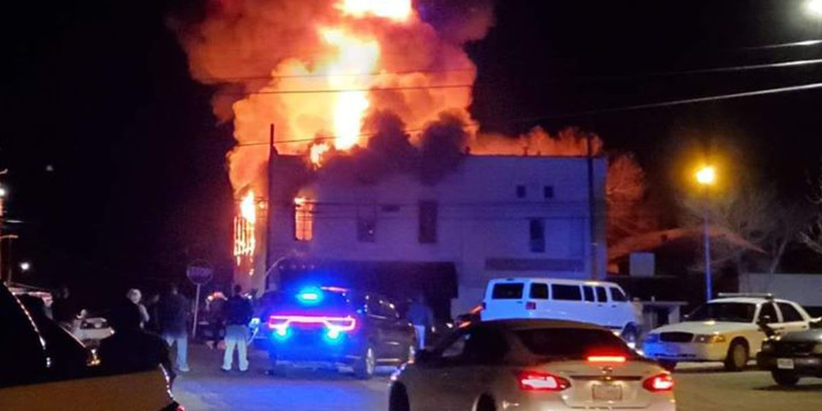 Fire crews contain fire on 6th Ave. in Buena Vista
