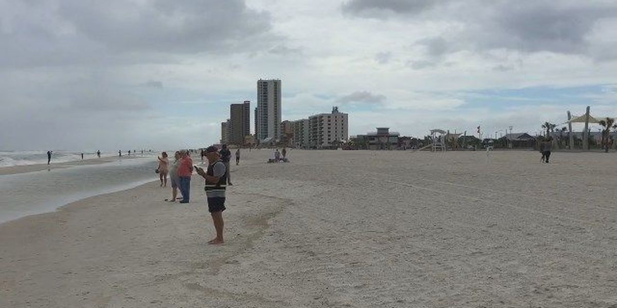 Alabama bans smoking on public beach