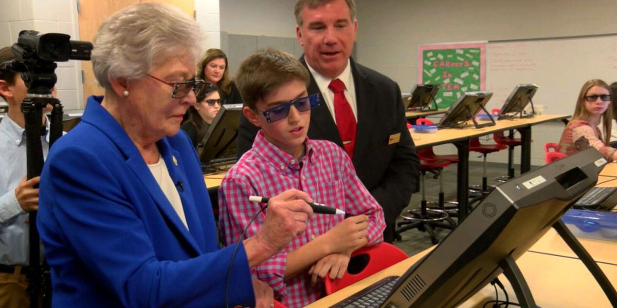 Alabama Governor Kay Ivey visits local Phenix City school