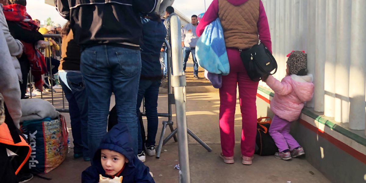 US border arrests drop as focus turns to Mexicans