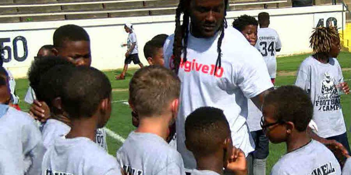 NFL player, Columbus native to host football camp