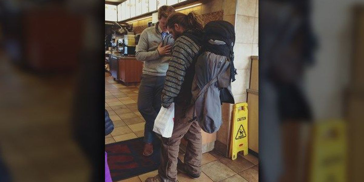 PHOTO: TN Chick-fil-A manager shares prayer with homeless man