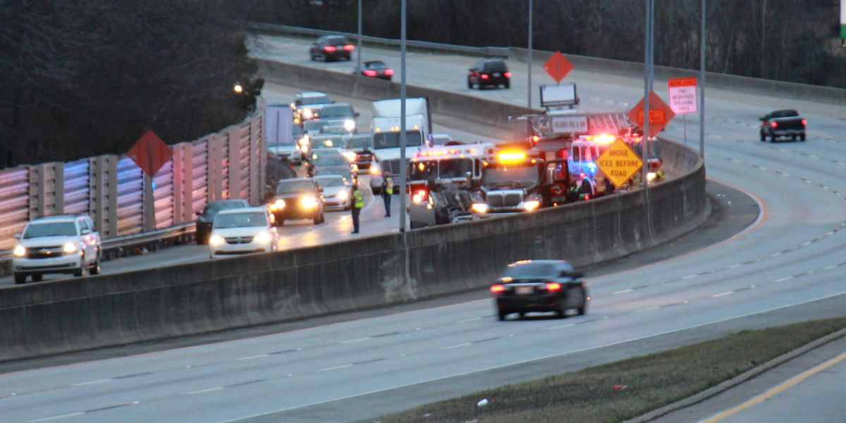 Lanes blocked on I-185 southbound in Columbus following vehicle accident