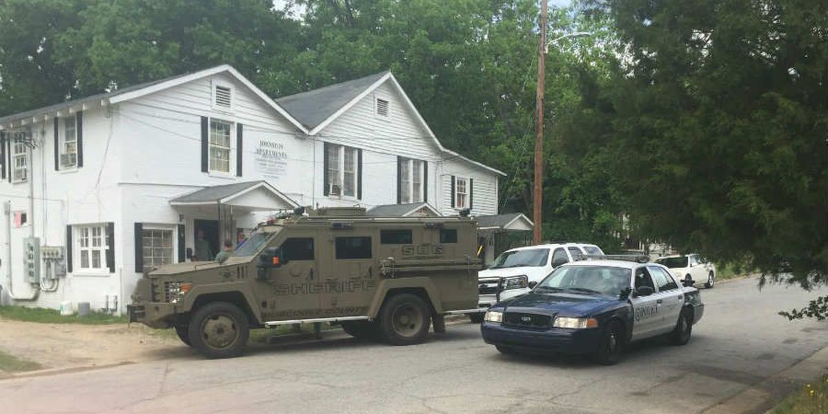 Police execute search warrant on 6th Ave