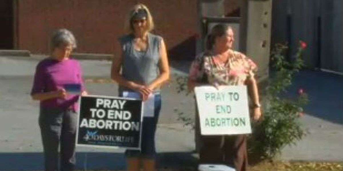 40 Days for Life holds prayer vigil