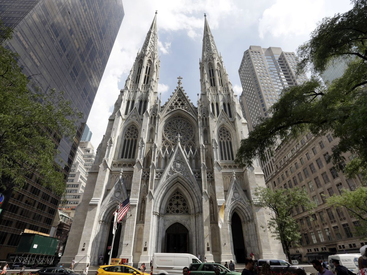 Man arrested carrying gas cans into New York's St. Patrick's Cathedral