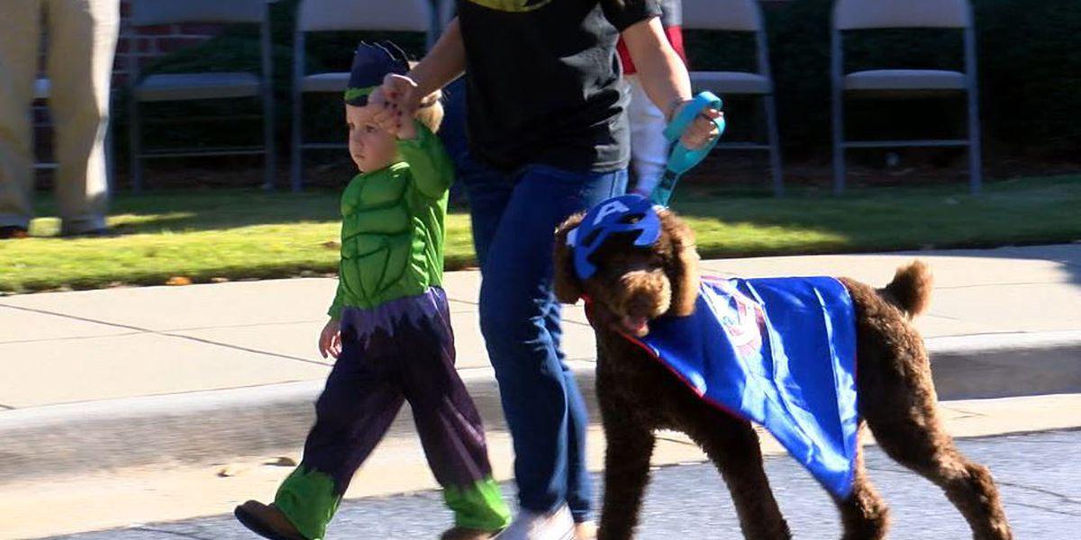Spookie Poochie Parade held at Columbus Hospice