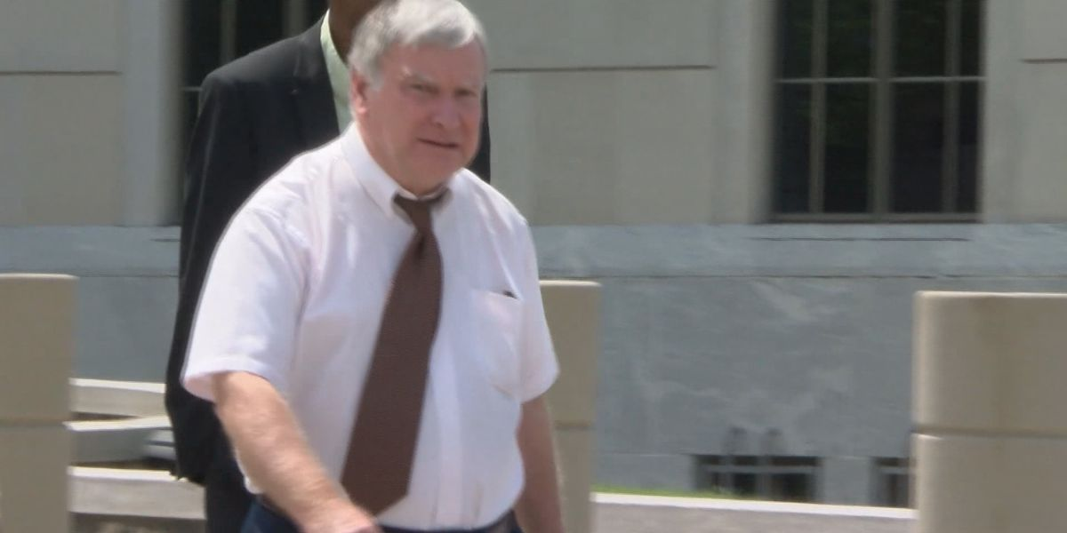 Former Lee County psychiatrist sentenced in federal pill mill case