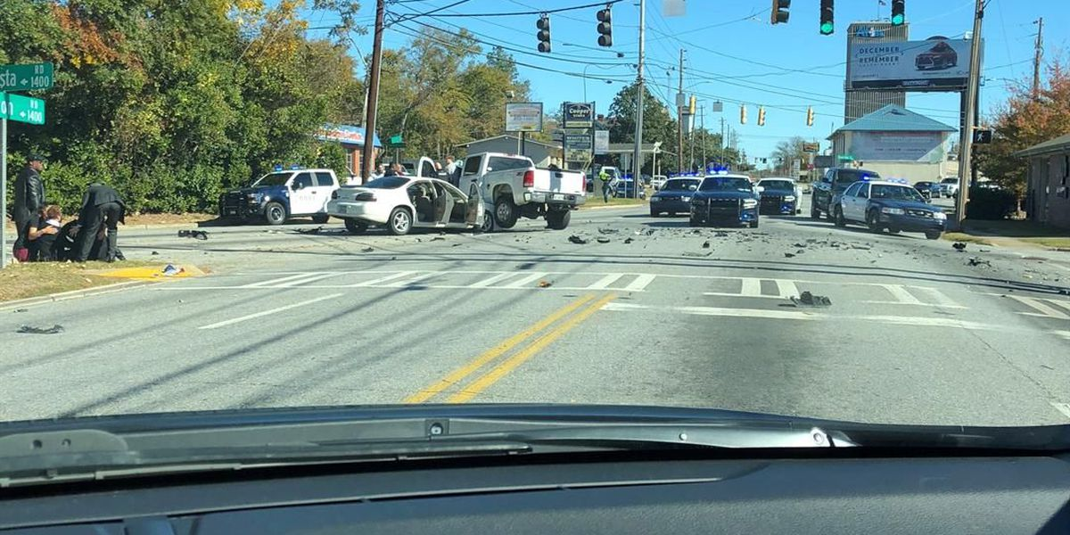 4-vehicle accident with injuries at Buena Vista-Wynnton Road intersection